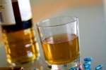 Таблетки и крепкие напитки способны привести к обратному эффекту лечения